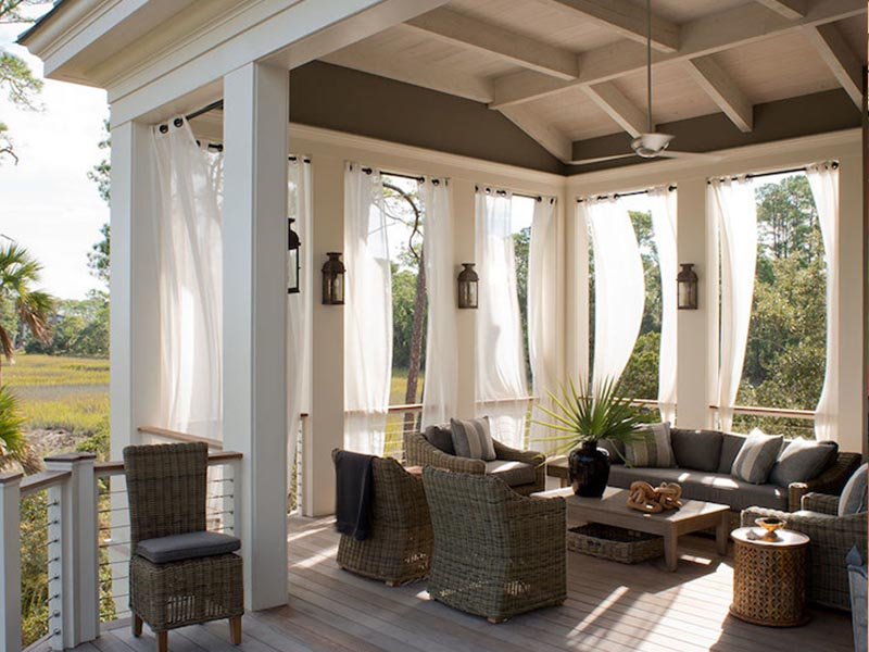 Outdoor curtains for outdoor living area