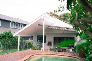 Retractable roof back deck