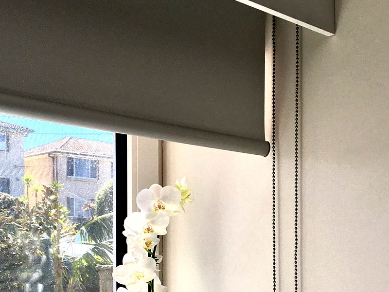 Internal roller blinds block out the sun's heat and glare